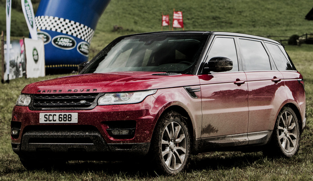 2017 Land Rover Range Rover Sport, Front-quarter view., exterior, manufacturer, gallery_worthy