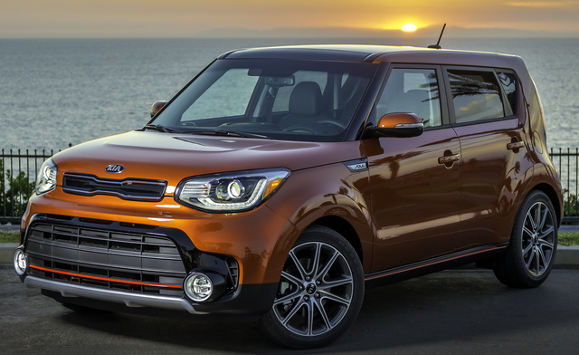 2017 Kia Soul, Front-quarter view., exterior, manufacturer, gallery_worthy
