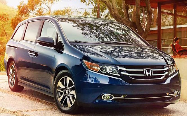 2017 Honda Odyssey, Front-quarter view., exterior, manufacturer, gallery_worthy