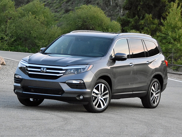 2017 Honda Pilot Elite in Modern Steel Metallic, gallery_worthy