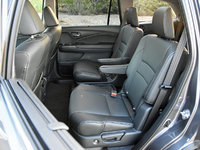 2017 Honda Pilot Elite second-row captain's chairs, gallery_worthy