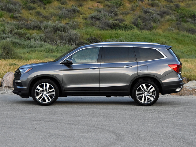 2017 honda pilot pictures cargurus for 2017 honda pilot features