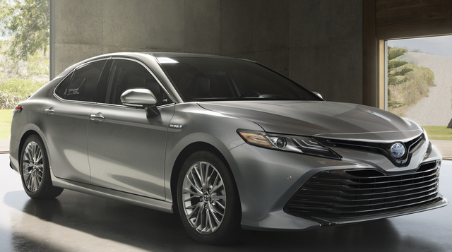 2018 Toyota Camry, Front-quarter view., exterior, manufacturer