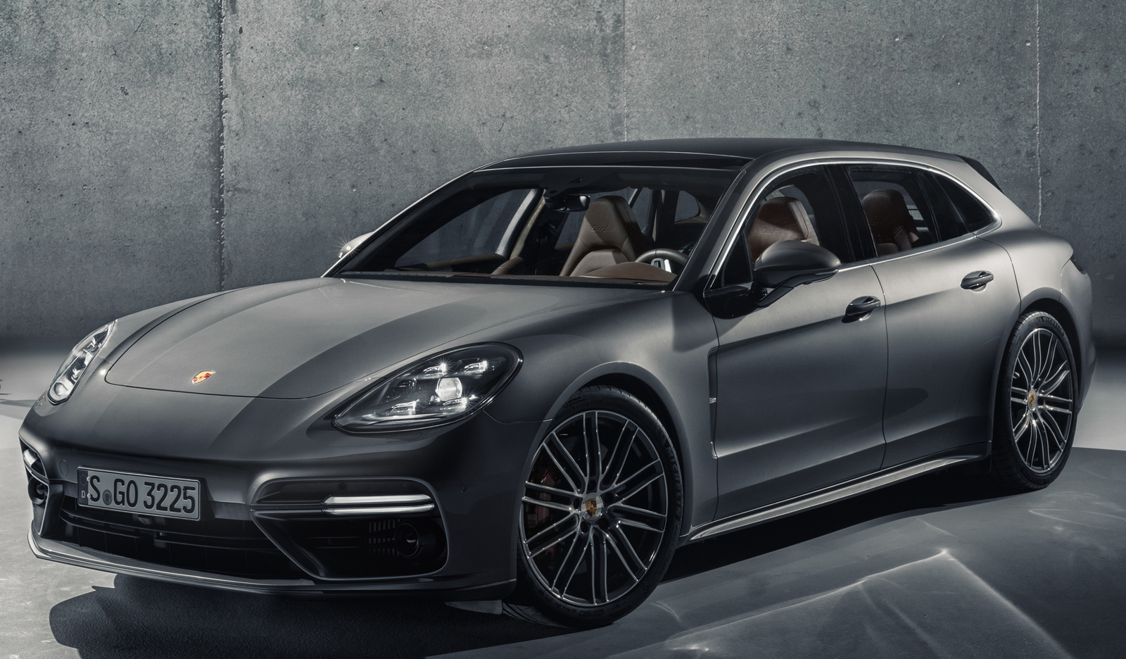 2018 porsche panamera overview cargurus. Black Bedroom Furniture Sets. Home Design Ideas