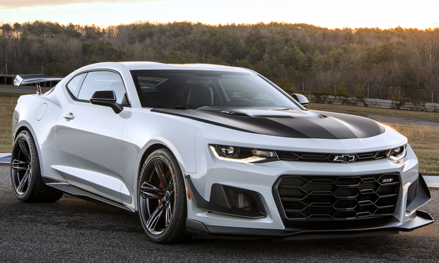 2018 Chevrolet Camaro, Front-quarter view., exterior, manufacturer, gallery_worthy