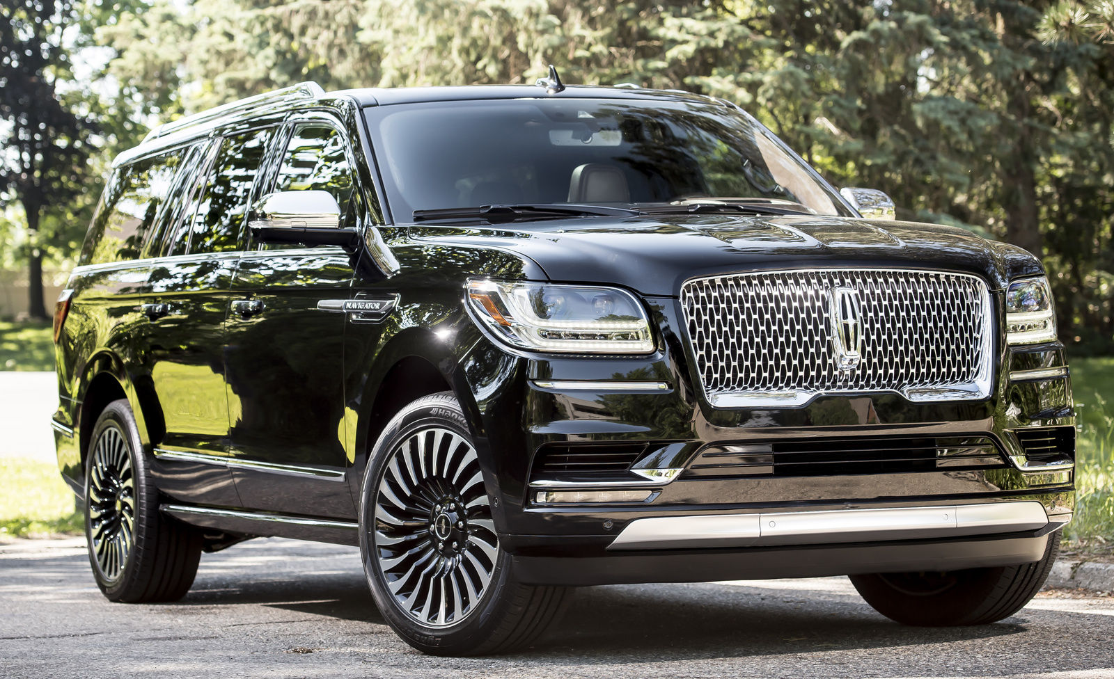 2018 cadillac escalade price. wonderful cadillac 2018 lincoln navigator frontquarter view exterior manufacturer  gallery_worthy to cadillac escalade price