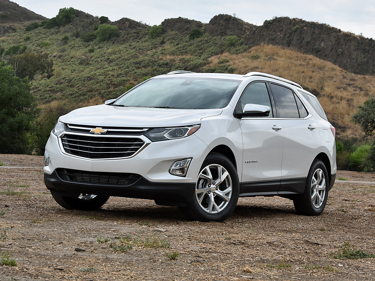 Ford Explorer  C B Compare  C B  Chevrolet Equinox Premier In Iridescent Pearl Gallery_worthy