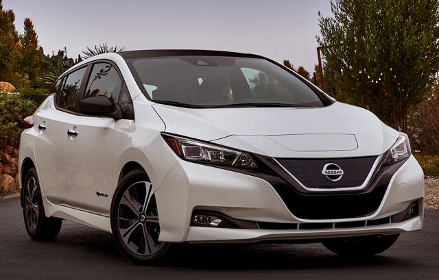 2018 Nissan Leaf, Front-quarter view., exterior, manufacturer