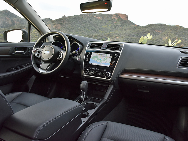 2018 Subaru Outback 2.5i Limited Dashboard, interior