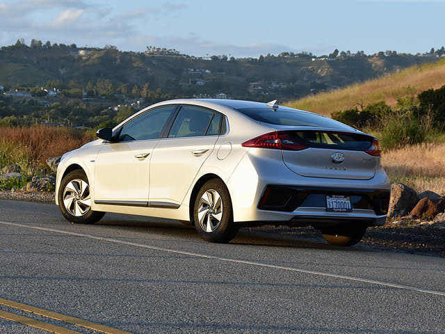 2019 Hyundai Ioniq Hybrid SEL in Silver, gallery_worthy
