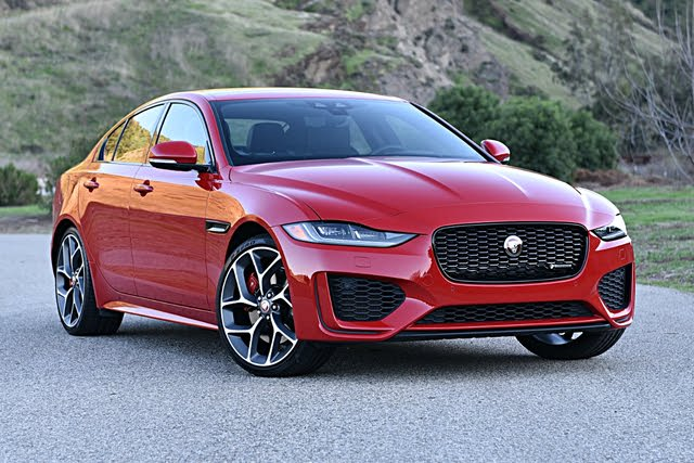 2020 Jaguar XE P300 R-Dynamic S Caldera Red Front Quarter
