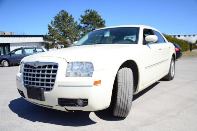 2009 Chrysler 300 Touring RWD