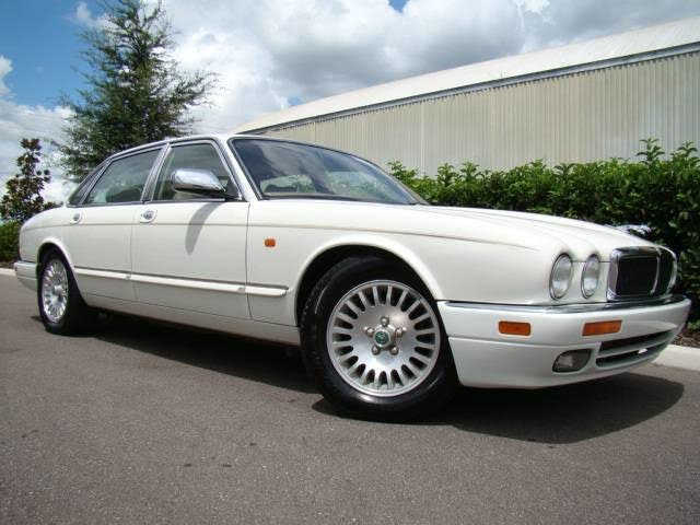1995 Jaguar XJ-Series XJ12 Sedan RWD