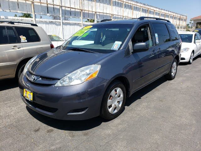 2010 Toyota Sienna LE
