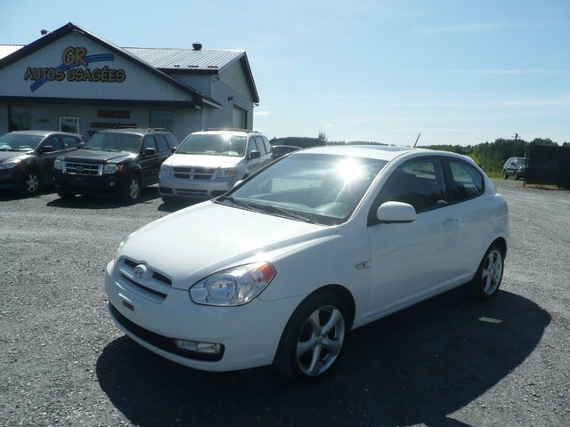 2010 Hyundai Accent GL Sport 2-Door Hatchback FWD