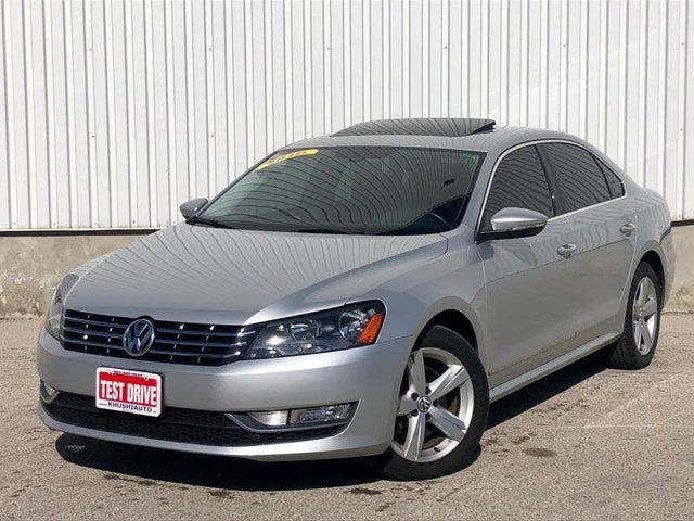2012 Volkswagen Passat TDI SE with Sunroof and Nav
