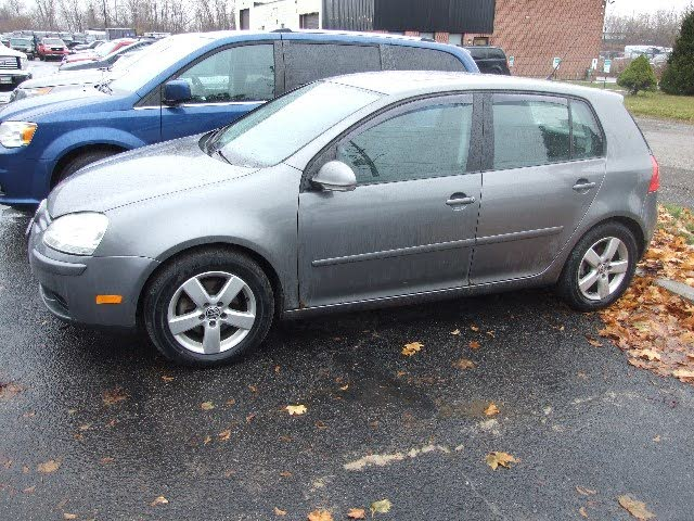 2008 Volkswagen Rabbit 4-Door