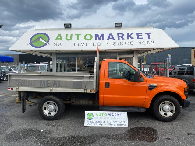 2009 Ford F-350 Super Duty Chassis XLT RWD