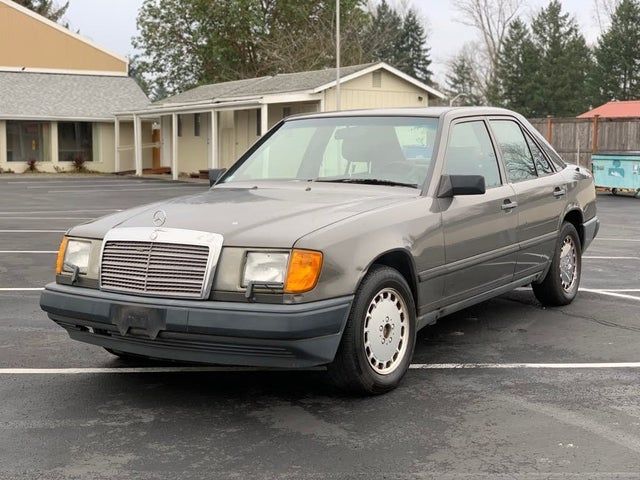 1987 Mercedes-Benz 300-Class 300E Sedan
