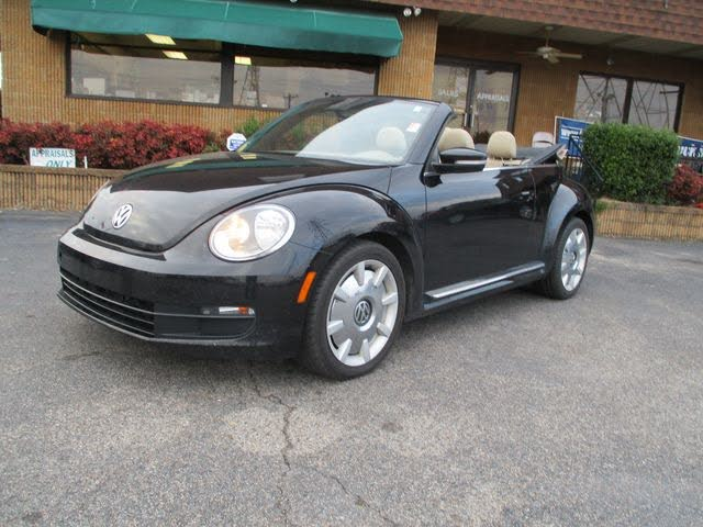 2014 Volkswagen Beetle 2.5L Convertible with Sound and Navigation