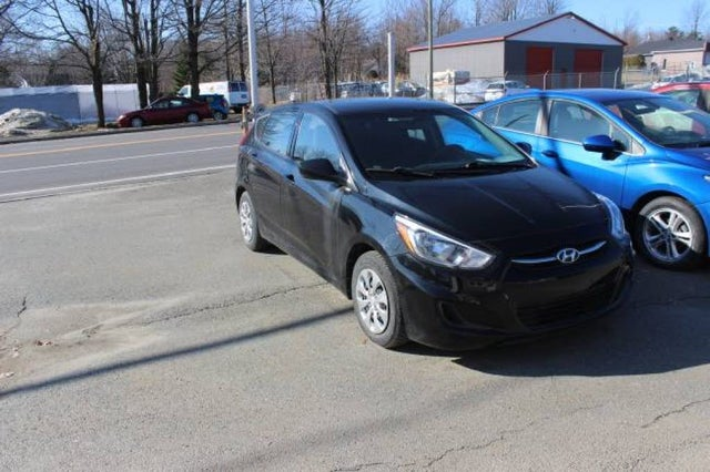 2016 Hyundai Accent SE 4-Door Hatchback FWD