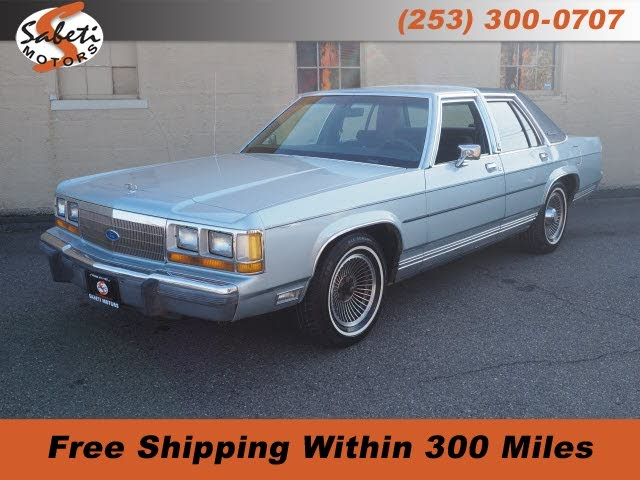 1990 Ford LTD Crown Victoria 4 Dr LX Sedan