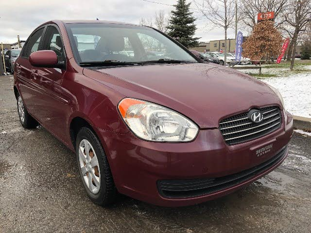 2010 Hyundai Accent GL Sedan FWD