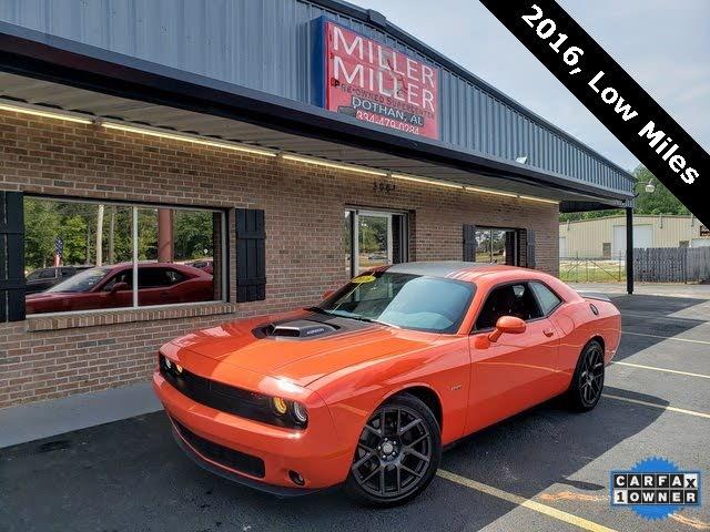 2016 Dodge Challenger R/T Shaker RWD
