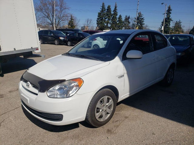 2010 Hyundai Accent L 2-Door Hatchback FWD