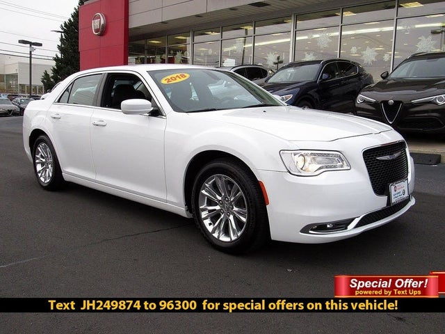 2018 Chrysler 300 Touring RWD