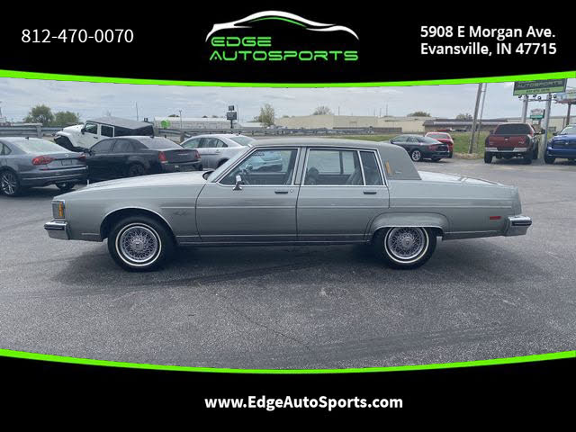 1983 Oldsmobile Ninety-Eight Regency Sedan RWD