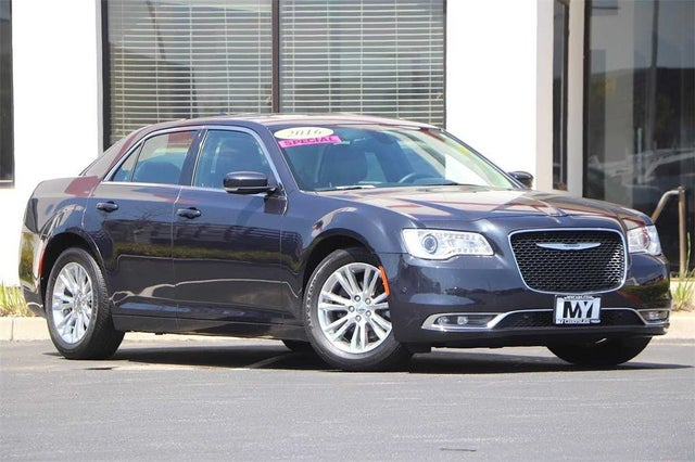 2016 Chrysler 300 Limited Anniversary RWD