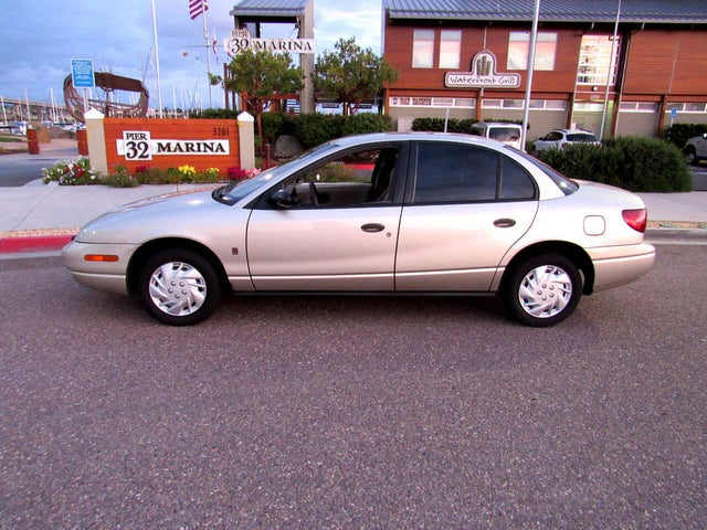 2000 Saturn S-Series 4 Dr SL1 Sedan