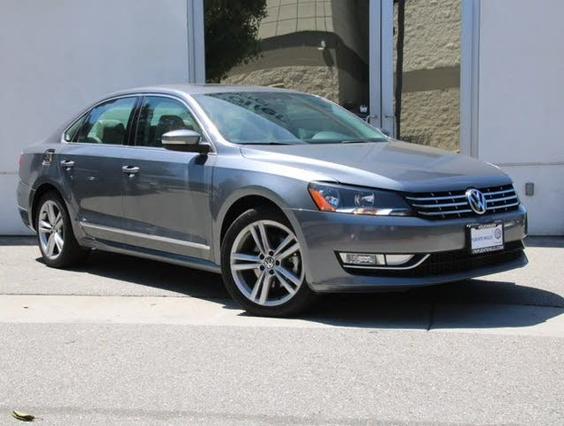 2014 Volkswagen Passat TDI SE with Sunroof and Nav