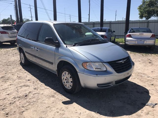 2005 Chrysler Town & Country FWD