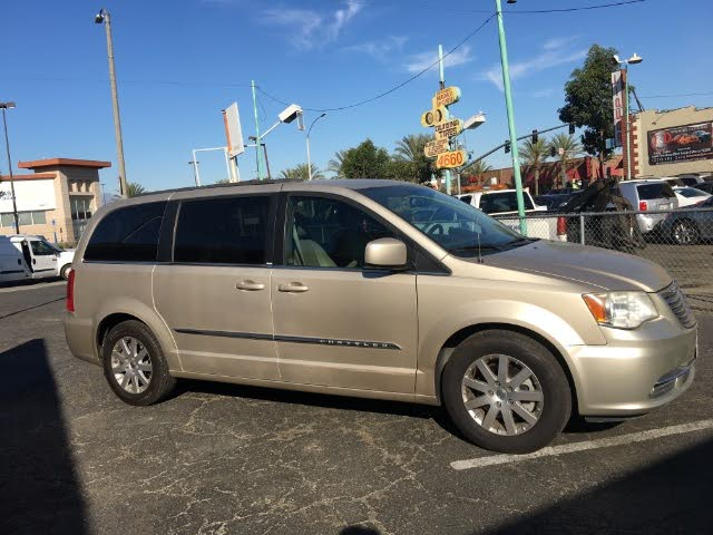 Used 2013 Chrysler Town Country Touring Fwd For Sale With