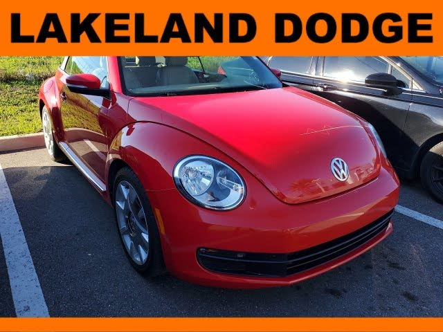 2013 Volkswagen Beetle 2.5L Convertible with Sound and Navigation