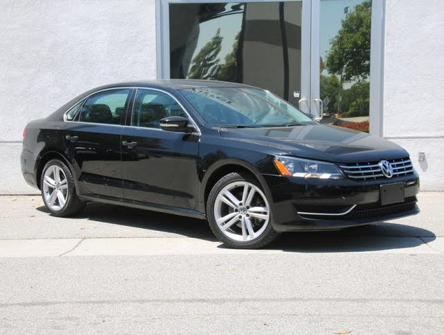 2014 Volkswagen Passat TDI SE with Sunroof