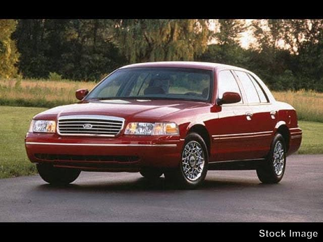 1998 Ford Crown Victoria 4 Dr LX Sedan