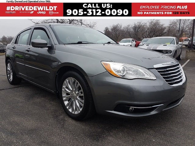 2013 Chrysler 200 Touring Sedan FWD