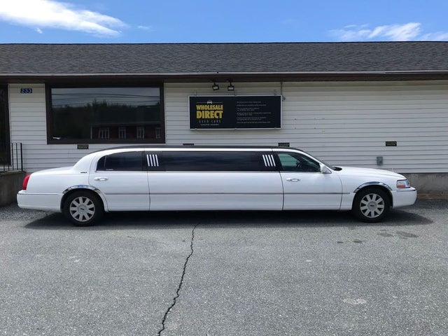 2005 Lincoln Town Car Executive