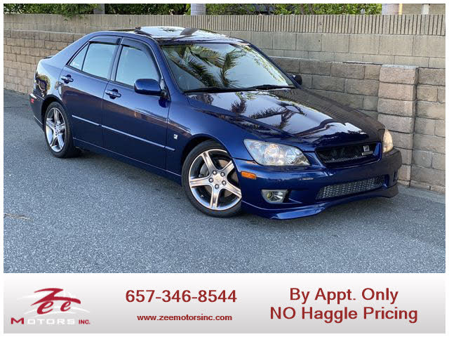 2004 Lexus IS 300 Sedan RWD
