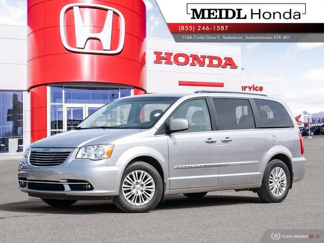2015 Chrysler Town & Country Touring-L FWD