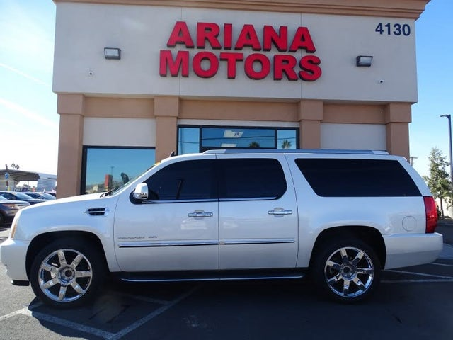 2011 Cadillac Escalade ESV Luxury RWD