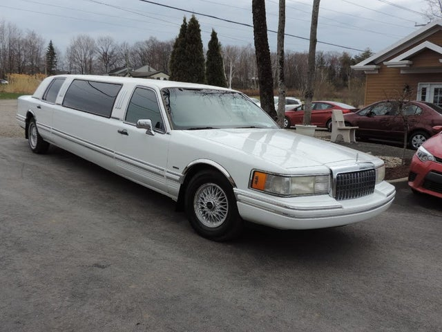 1991 Lincoln Town Car Base