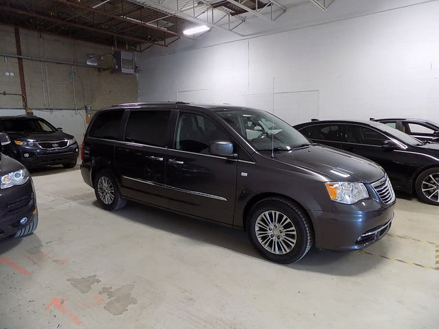 2014 Chrysler Town & Country 30th Anniversary FWD