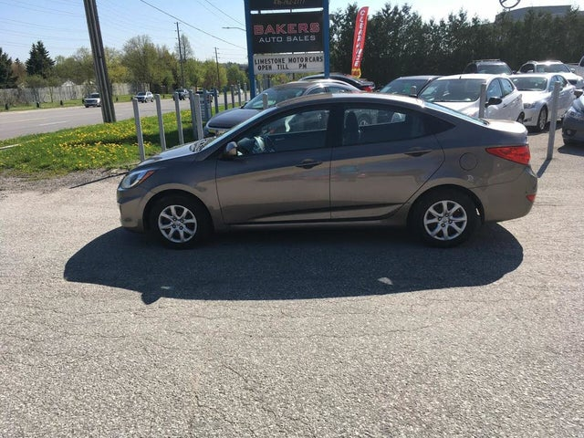 2013 Hyundai Accent L Sedan FWD