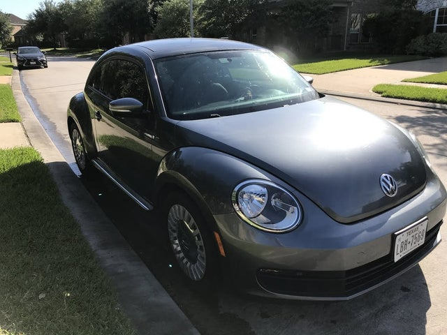 2013 Volkswagen Beetle 2.5L with Sunroof