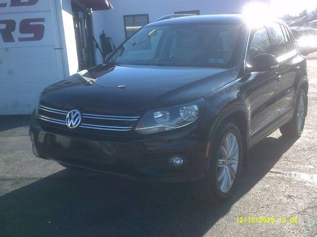 2013 Volkswagen Tiguan SE 4Motion with Sunroof and Navigation