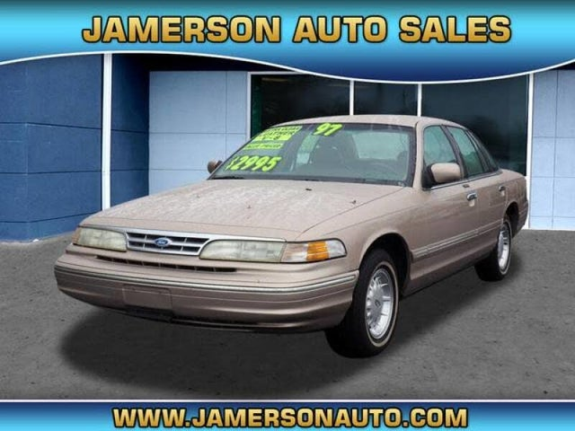 1997 Ford Crown Victoria 4 Dr LX Sedan